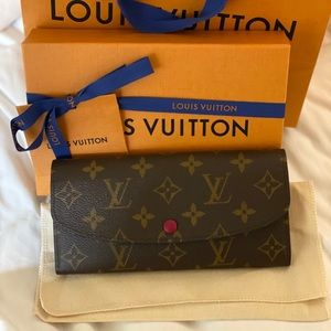 NEW Louis Vuitton Emilie Wallet